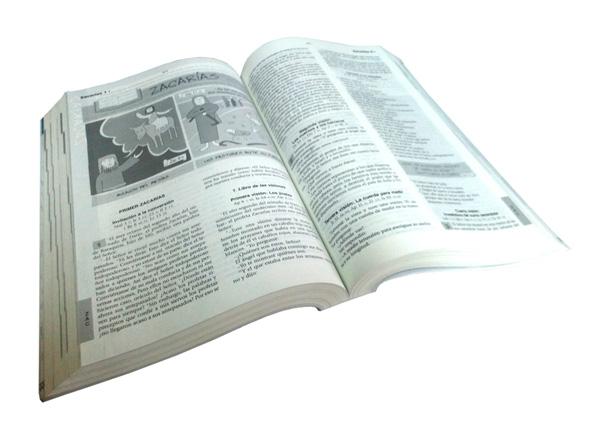 Biblia Católica para Jóvenes tapa rústica abierto